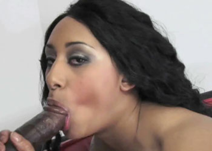 Black hottie London gets her twat stuffed